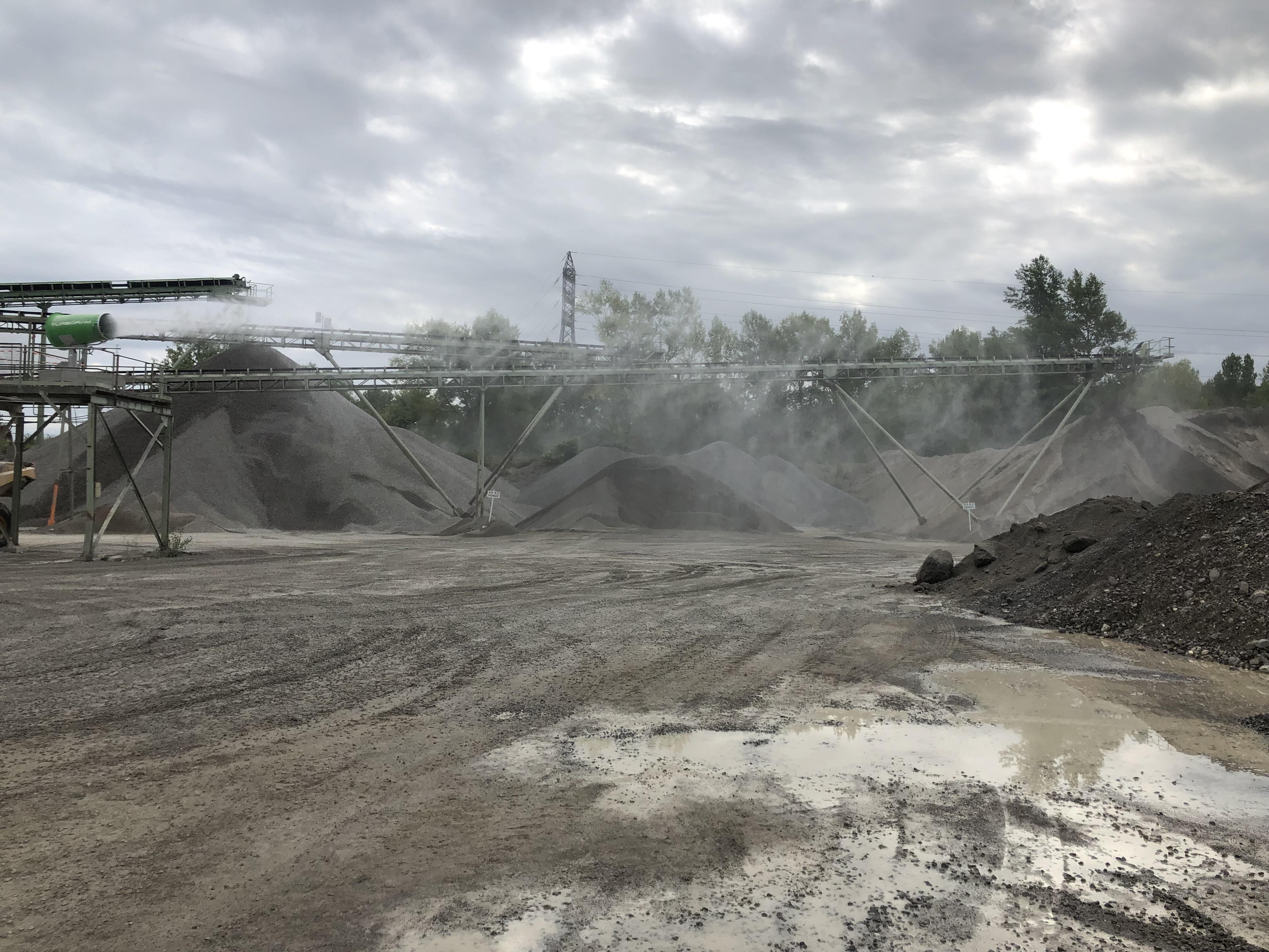 Le TURBORAM TRD60 est un brumisateur de grande puissance principalement destiné aux travaux de démolition de grande hauteur, au BTP, aux mines & carrières, aux manutentions portuaires et aux activités de recyclage. Fixe