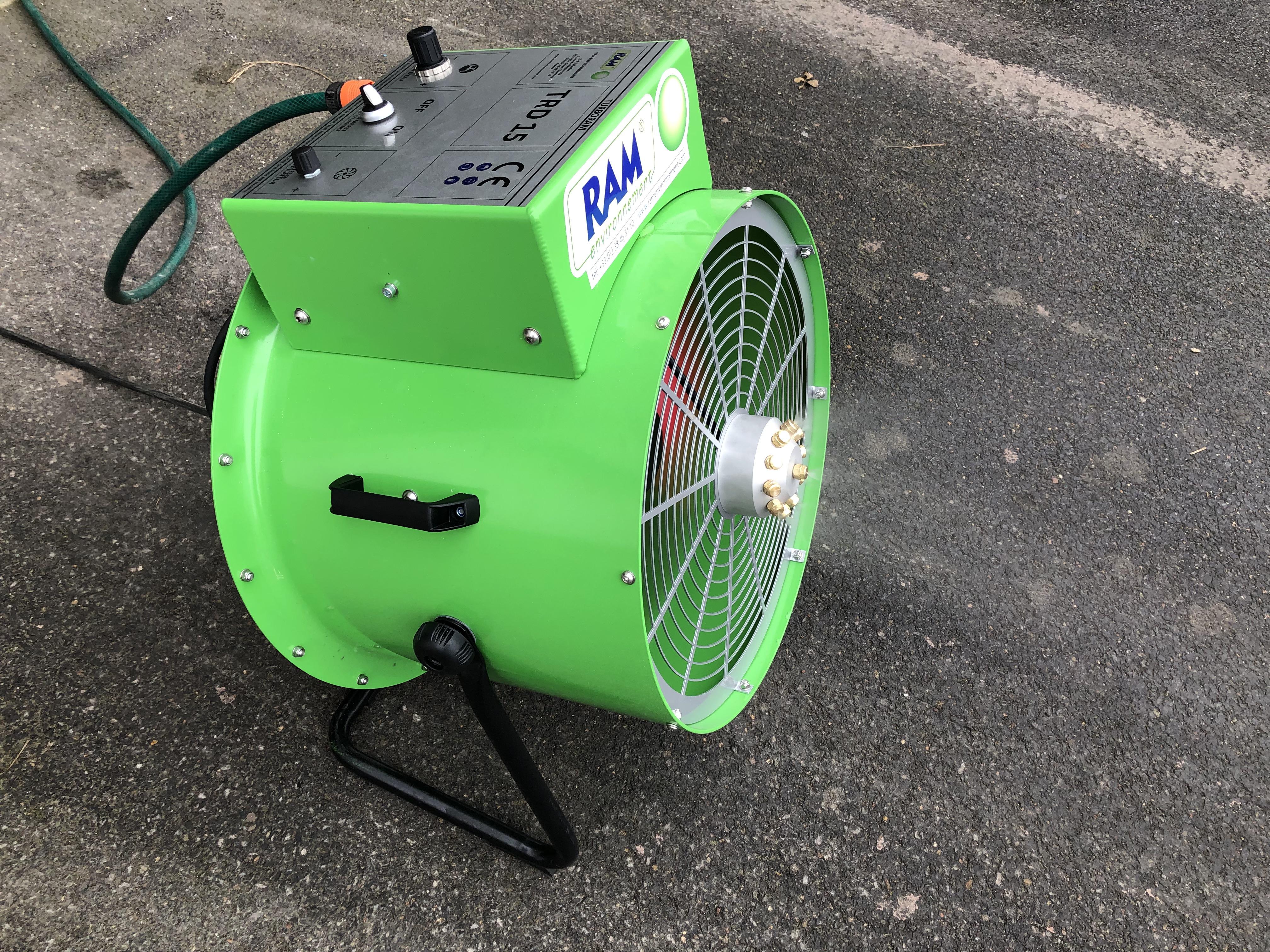 Le TURBORAM TRD15 est un brumisateur de moyenne portée principalement destiné aux travaux de démolition, de dépollution, du BTP, et aux activités de recyclage. Mobile