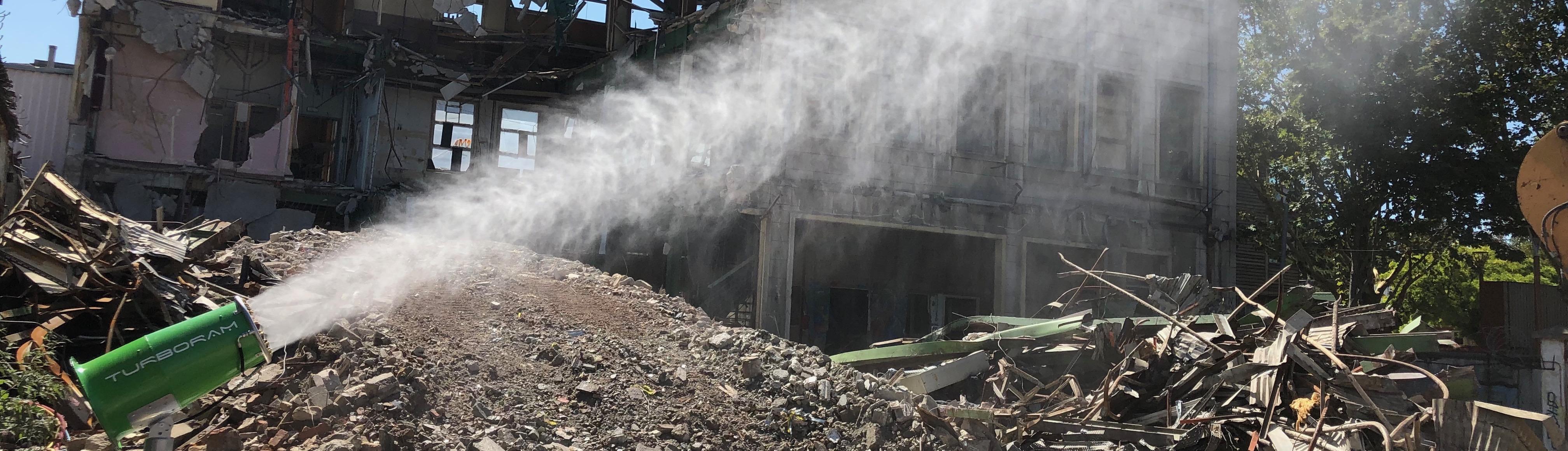 Le TURBORAM TRD40 est un brumisateur de moyenne portée principalement destiné aux travaux de démolition, de dépollution, du BTP, et aux activités de recyclage. Mobile